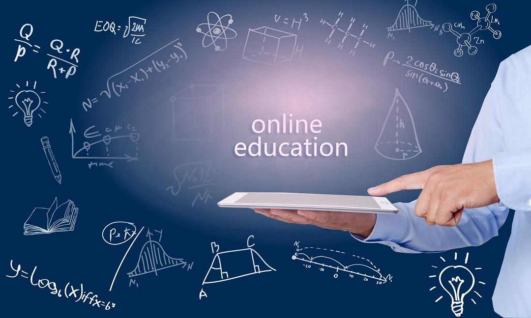 推进人工智能赋能智能教育,以大数据、人工智能等技术为驱动力,推动教育模式、教育内容、教育方法乃至教育形态等方面的深刻变革